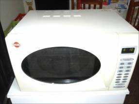 Horno microondas digital Tokyo 30 litros